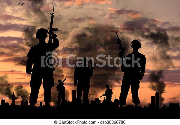 bro, wojsko, sylwetka - csp30366786
