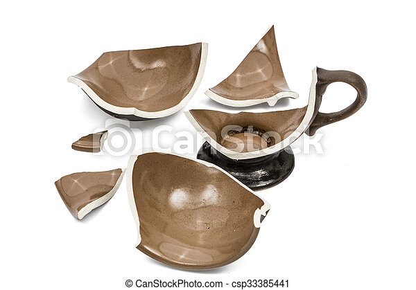 Broken coffee cup, isolated on white background, - csp33385441