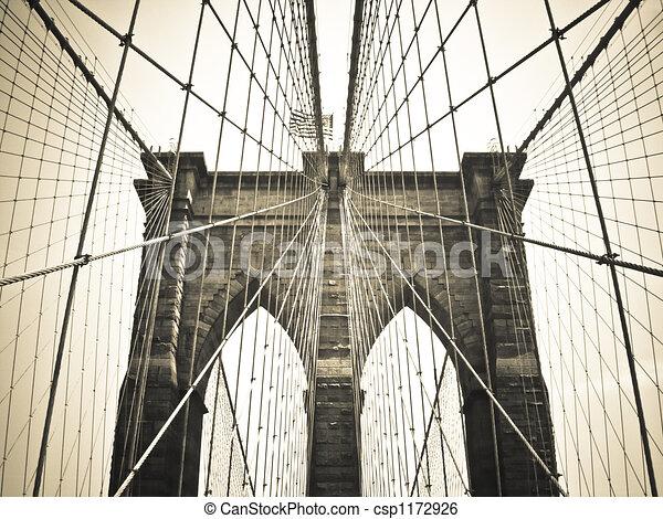 Brooklyn Bridge Bronze - csp1172926