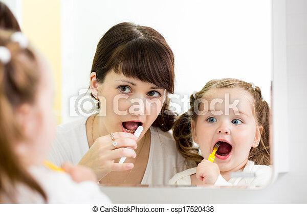 brossant dents, enseigne, mère, enfant - csp17520438