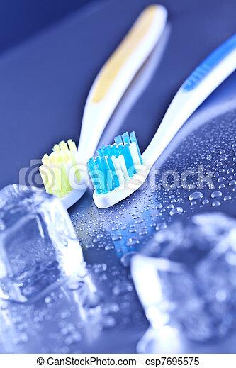 brosse dents, soin dentaire - csp7695575