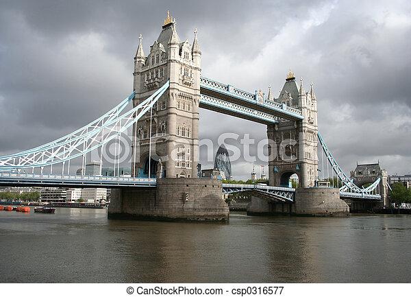 brydżowa wieża, londyn, sylwetka na tle nieba - csp0316577