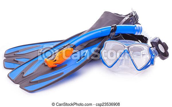 Gafas de buceo azul, bucear y aletas. Aislado - csp23536908