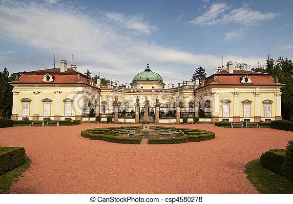 buchlovice, castillo - csp4580278