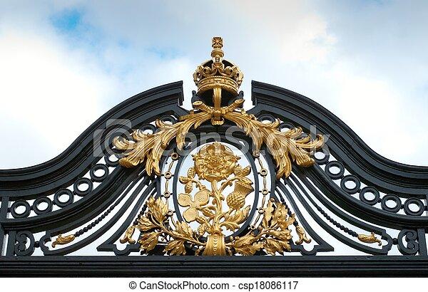 Buckingham Palace fence detail - csp18086117