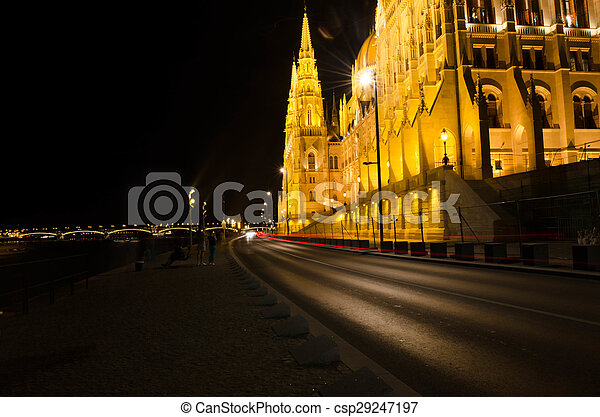 Budapest Cityscape at night with the Hungarian Parliament Beautiful reflection in the water of Danube river. - csp29247197