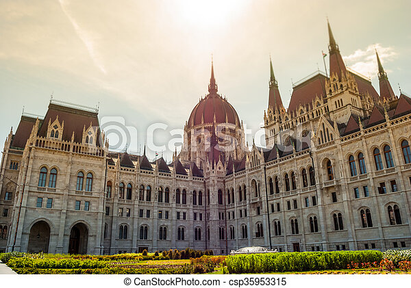 Budapest, parliament - csp35953315