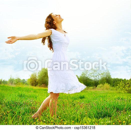 buiten, enjoyment., nature., kosteloos, vrouw meisje, het genieten van, vrolijke  - csp15361218