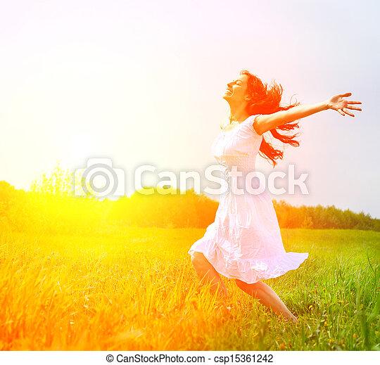 buiten, enjoyment., nature., kosteloos, vrouw meisje, het genieten van, vrolijke  - csp15361242