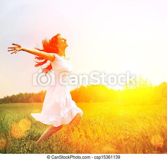 buiten, enjoyment., nature., kosteloos, vrouw meisje, het genieten van, vrolijke  - csp15361139