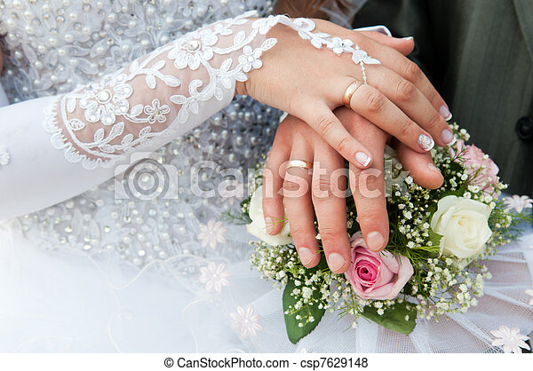 buquet, anéis casamento, mãos - csp7629148
