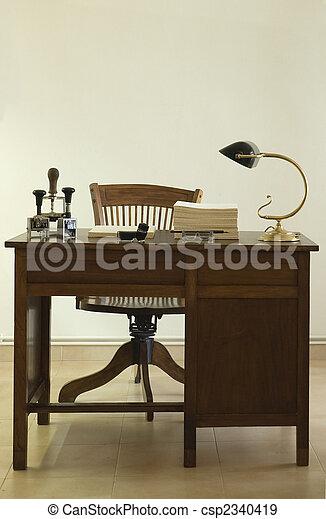 bureau, ancien - csp2340419