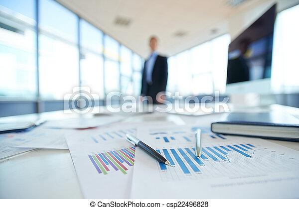 bureau, papiers - csp22496828