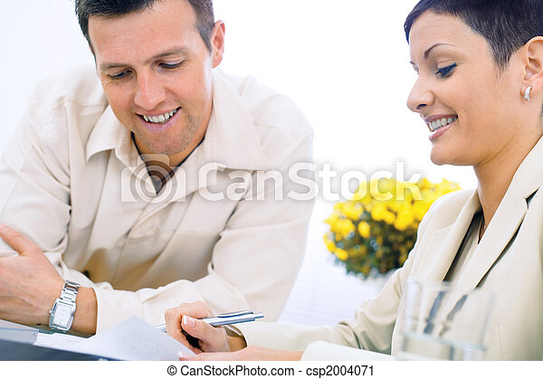 Business couple working - csp2004071