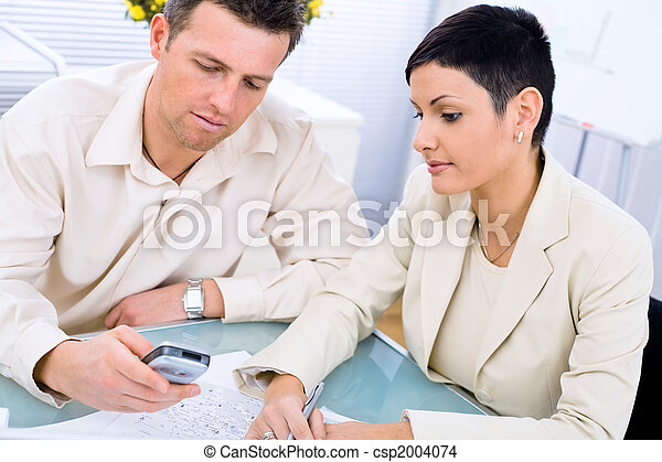 Business couple working - csp2004074