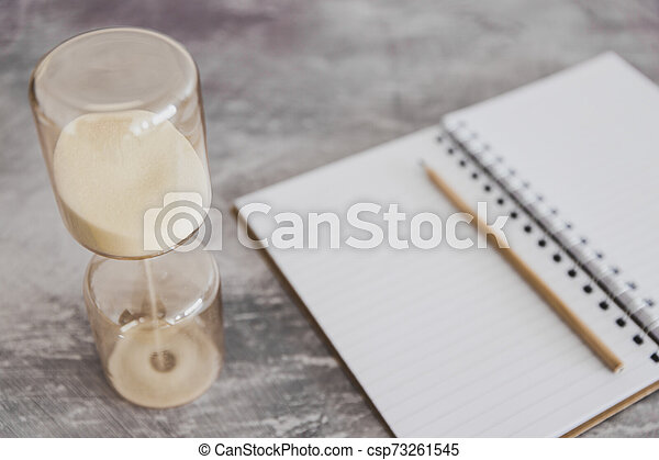 business, date limite, cahier, bureau, productivité, sablier - csp73261545
