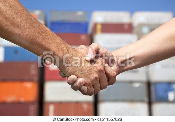 business, deux, pile, avant, poignée main, récipients, homme - csp11557826