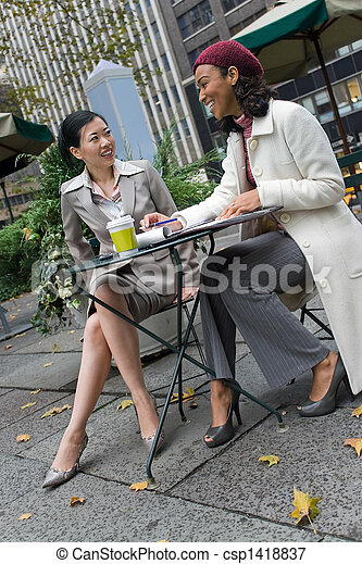 Business Meeting in the City - csp1418837