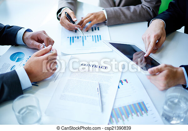 Business meeting - csp21390839
