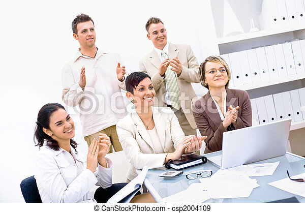 Business team clapping - csp2004109