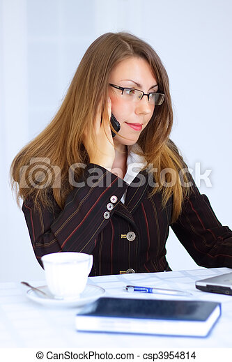 Business woman talking on the phone - csp3954814