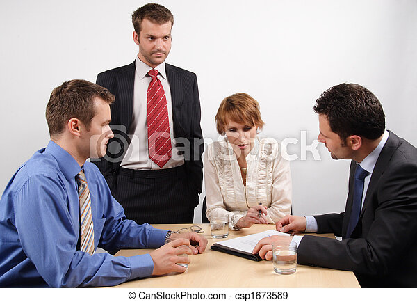 businesspeople , brainstorming , τέσσερα  - csp1673589