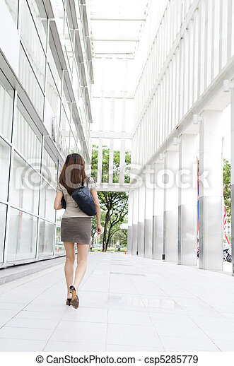 Businesswoman on the move - csp5285779