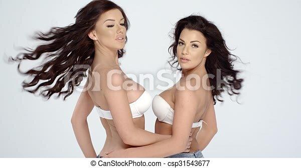 Breasty Frauen