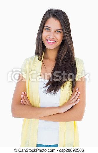 Feliz mujer casual sonriendo a la cámara - csp20892586