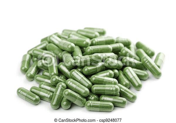 Cápsulas verdes aisladas - csp9248077