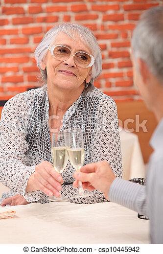restaurant anniversaire couple