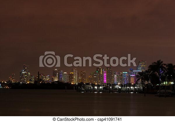 En el centro de Miami - csp41091741