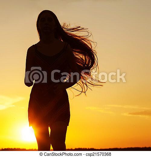 c, vrouw, beauty, vrijheid, nature., kosteloos, meisje, het genieten van, outdoor., vrolijke  - csp21570368