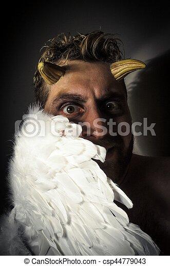 caído, demônio, anjo - csp44779043