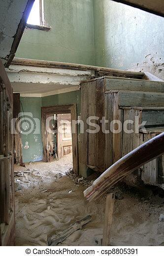 caído, escalera - csp8805391