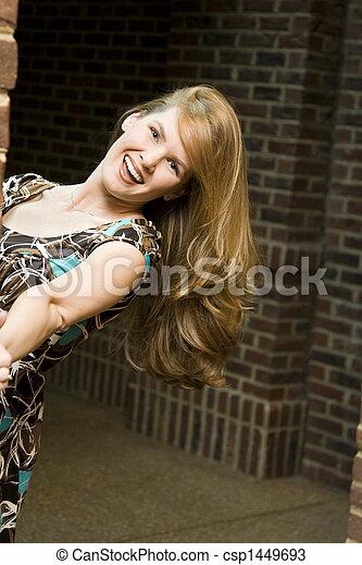 cabelo baixo, mulher, jovem - csp1449693