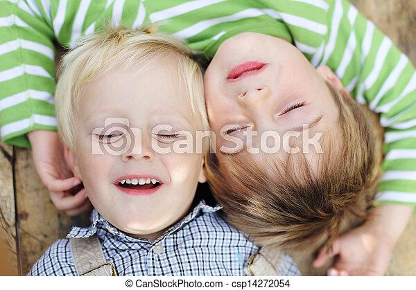 cabeza, hermanos, acostado - csp14272054