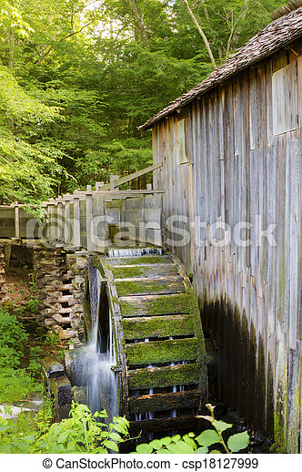 Cable Mill at Cades Cove - csp18127999