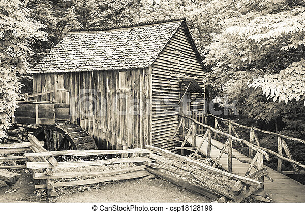 Cable Mill at Cades Cove - csp18128196