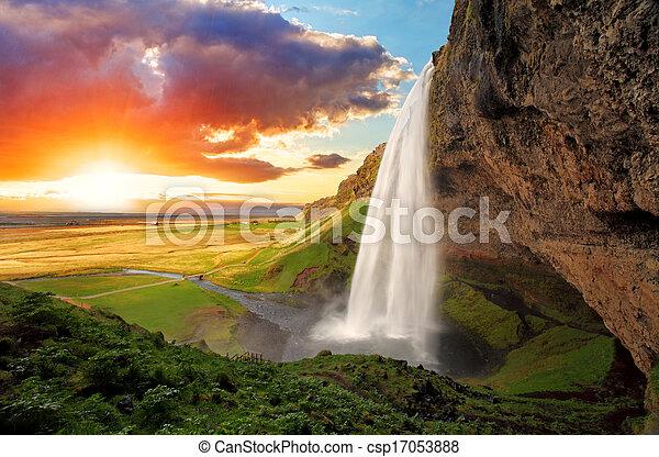 cachoeira, islândia, -, seljalandsfoss - csp17053888