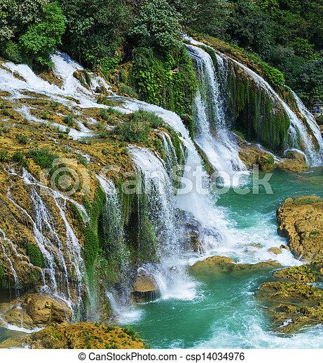cachoeira, vietnã - csp14034976