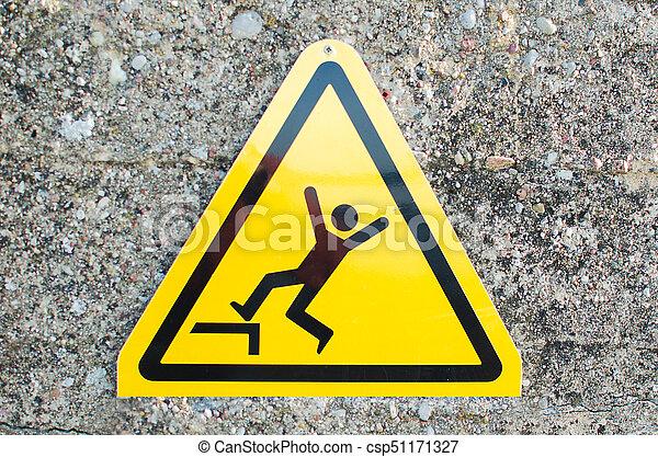 Señal de advertencia: riesgo de caer - csp51171327