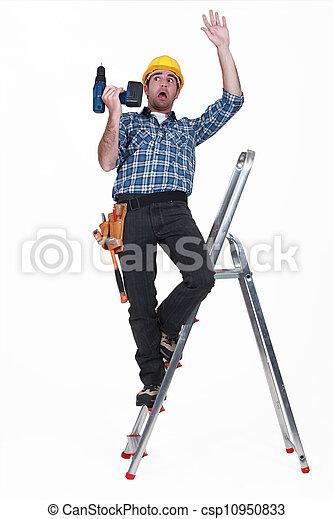 Craftsman cayendo de una escalera - csp10950833