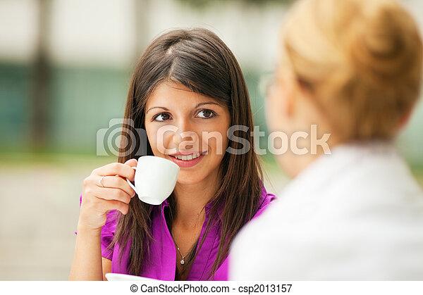 café buvant, femmes affaires - csp2013157