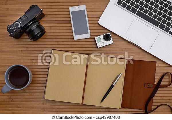 Bureau bois et blanc parfait bureau blanc ordinateur pour s fixes