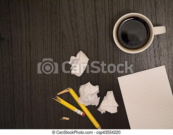 Café f ché bloc notes bureau cassé blanc crayon café
