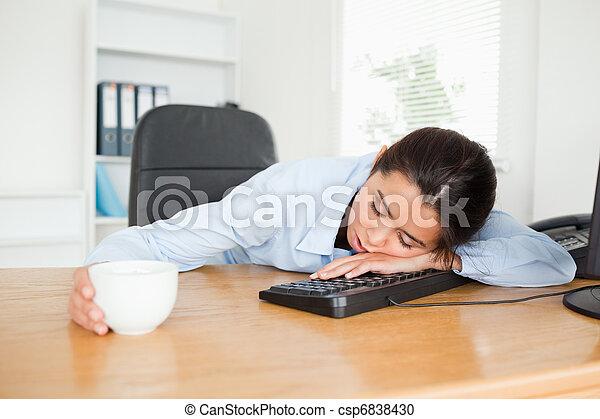 Café femme joli bureau tasse frontal dormir quoique tenue