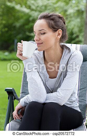 café, jardim, relaxamento - csp20572772