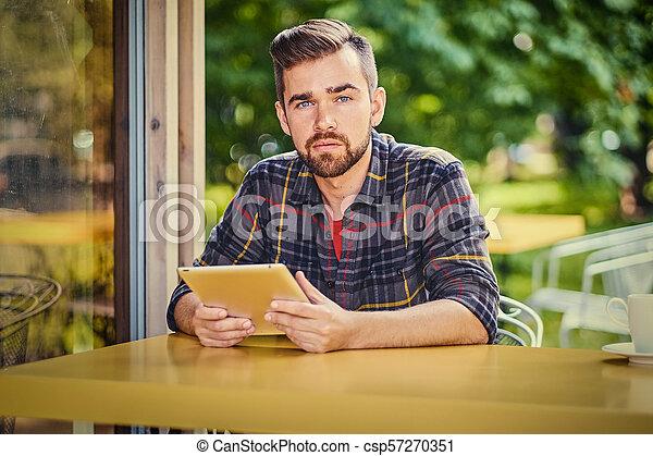 café, tablette, rue., homme, pc, utilisation - csp57270351