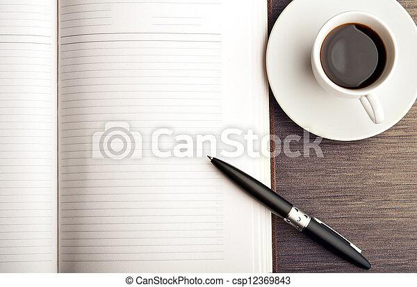 caffè, scrivania, penna, quaderno, vuoto, bianco, aperto - csp12369843